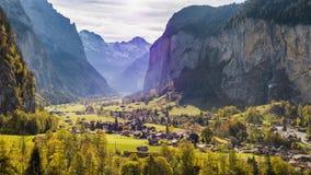 Zwitsers Bergdorp Lauterbrunnen Zwitserland Lucht4k stock footage