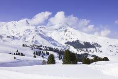 Zwitserse Alpen in de winter Stock Afbeeldingen
