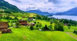 Zwitserse de bergenmening van Alpen Stock Afbeelding