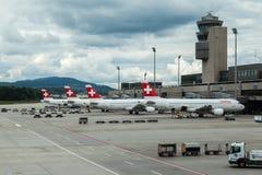 Zwitserse Luchtvliegtuigen Stock Afbeeldingen