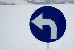 Zwrot opuszczać - drogowy znak Obraz Royalty Free