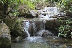 Zwrotniki, turkus, woda w dżungli, Tajlandia Obrazy Royalty Free