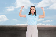 Zwycięski elegancki bizneswomanu pozować Zdjęcie Stock