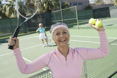 Zwycięski Starszy Żeński gracz w tenisa Zdjęcie Stock