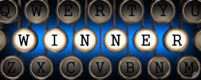 Zwycięzca na Starych maszyna do pisania kluczach. Zdjęcie Royalty Free