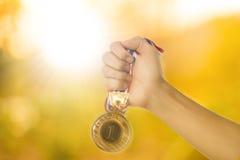 Zwycięzcy medalu nagrody złoto Zdjęcie Royalty Free