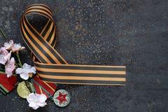 Zwycięstwo dnia wiosny i faborku kwiaty wakacyjni Obraz Stock