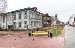 Zwyczajna Chumbarova-Luchinskogo aleja w Arkhangelsk, Rosja Zdjęcia Royalty Free