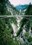 Zwyczajny zawieszenie most w Szwajcaria fotografia stock