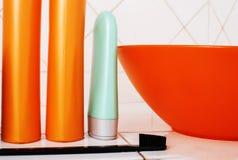 Zwykły materiał w łazience, szampon, akcesoria, czarny elegancki zbyt Zdjęcie Stock