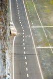 Zyklusweg entlang Tiber-Fluss in Rom Stockbilder