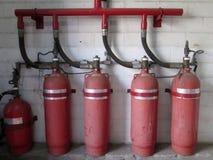 Zylinder des Halons 1301 Feuerlöschersystem Stockbilder