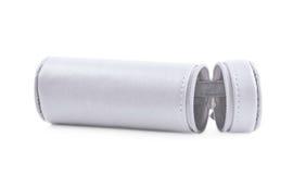 Zylinderförmiger Bleistiftkasten lokalisiert Stockfotografie