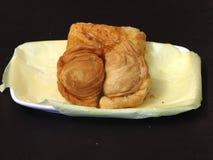 Zyskuje przychylność chuch i kulebiaka na naczyniu - smażący deser Zdjęcie Royalty Free