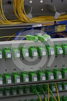 Optic fiber cable and splicing the fibers on spice tray