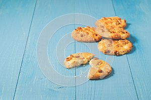 Chip cookies on blue wooden table/chip cookies on blue wooden ta