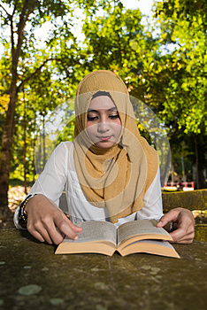 Islam woman read a book