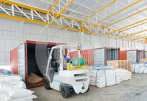 Distribution shipping warehouse for Global business shipping