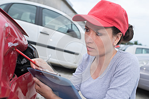 Doing estimate for car repair