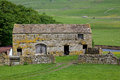 Yorkshire Dales Barn Stock Photos - 27909183