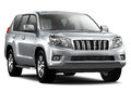 Silver Luxury SUV Royalty Free Stock Images - 31663399