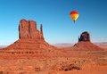 Monument Valley Stock Photography - 32428912