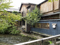 Wooden Traditional Houses Along Shirakawa Canal  In Old Gion Stock Images - 35100984