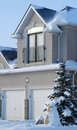 House In Winter - Vertical Vie Royalty Free Stock Images - 3781479