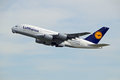 Lufthansa Airbus A380-800 D-AIMC Royalty Free Stock Images - 41124429