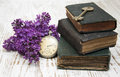 Antique Books  And  Old Key Stock Photo - 41469320