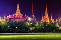Emerald Buddha Temple (Wat Phra Kaew) At Night Stock Photos - 42469173