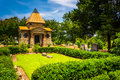 Bushes And Mausoleum At Oakland Cemetary In Atlanta, Georgia. Royalty Free Stock Photography - 47972627