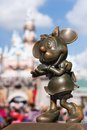 Bronze Minnie Mouse Statue At Disneyland Stock Photography - 52669032