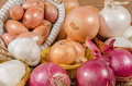 Different Types Of Onions, Garlic And Shallots Stock Photo - 56889680