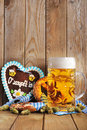 Bavarian Gingerbread Heart With Beer Stock Photography - 57349122