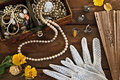 Vintage Box With Trinkets And Jewelry Royalty Free Stock Images - 66696189