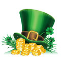 St. Patrick S Day Green Leprechaun Hat With Clover And Gold Royalty Free Stock Photography - 67478867