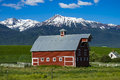 Red Barn In Oregon Royalty Free Stock Photo - 71388035