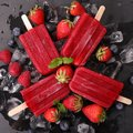 Strawberry Popsicle Royalty Free Stock Photo - 72492855