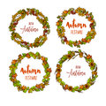 Autumnal Or Fall Round Frame Background. Wreath Of Autumn Leaves Royalty Free Stock Photo - 76113405
