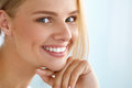 Beauty Portrait Of Woman With Beautiful Smile Fresh Face Smiling Stock Photos - 76138513