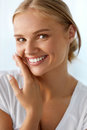 Beautiful Woman With Beauty Face, Healthy White Teeth Smiling Royalty Free Stock Images - 76138979