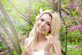 Smiling Blonde Woman Beauty Portrait, Perfect Fresh Skin And Healthy White Smile, Daily Basic Makeup, Long Hair With Orchid Flower Stock Photos - 81790763