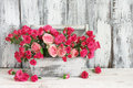 Bouquet Of Pink Roses In Box Royalty Free Stock Images - 90930809