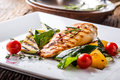 Grill Chicken Breast. Grilled Vegetables With Chicken Breast. Grilled Chicken With Vegetables On Oak Table Stock Photo - 93295260