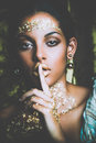 Black Young Beauty Portrait Woman  With Golden Makeup Royalty Free Stock Photos - 98624938