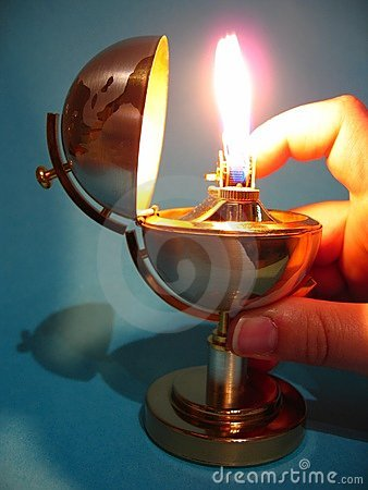 Cigarette lighter with hand