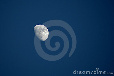 By day moon
