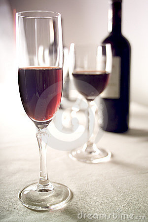 Red wine and glasses 2