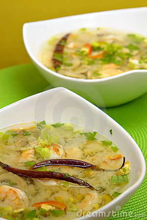 Hot-and-sour prawn soup